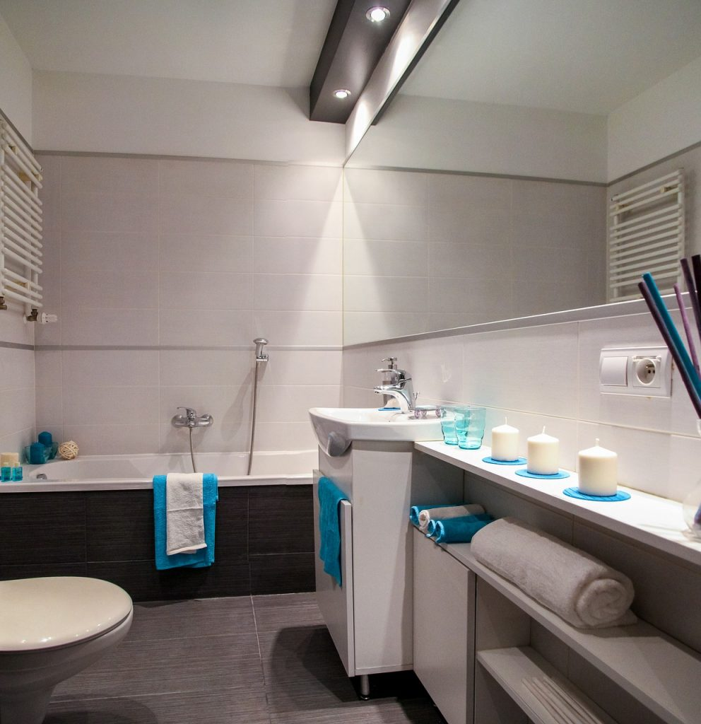 Nettoyer carrelage salle de bain encrassé